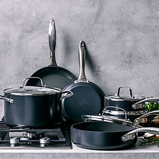 Healthy ceramic nonstick hard-anodized cookware 10-piece set.
