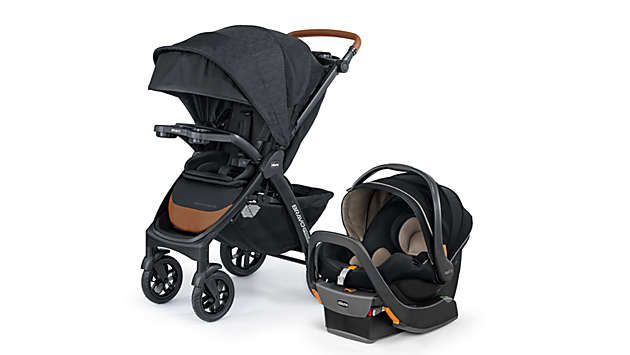 KeyFit® 35 Zip clicks into the fully-loaded Bravo® Primo Quick-Fold Stroller.