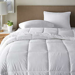 Canadian Living Lightweight Down Alternative Comforter