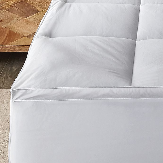 Alternate image 1 for Canadian Living 400 Thread Count Cotton Twin Mattress Pad in White