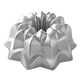 Nordic Ware® Vintage Star Nonstick Bundt Cake Pan