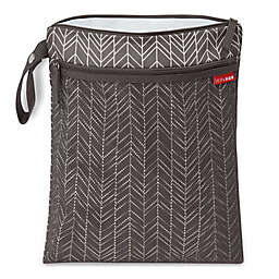 SKIP*HOP® Grab & Go Wet/Dry Bag in Feather Grey