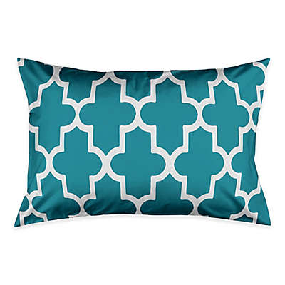 Bold Quatrefoil Pillow Sham in Teal/White