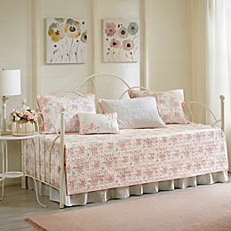 Madison Park Serendipity 6-Piece Reversible Cotton Percale Quilted Daybed Cover Set in Coral