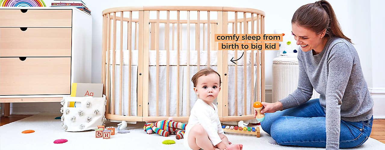 The Stokke® Sleepi™ Bed adjusts to evolve with your child.