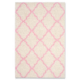 Safavieh Dallas 5-Foot 1-Inch x 7-Foot 6-Inch Shag Area Rug in Ivory/Light Pink