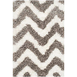 Safavieh Barcelona 2-Foot 3-Inch x 4-Foot Shag Rug in Ivory/Silver