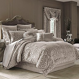 J. Queen New York™ Sicily Comforter Set in Pearl
