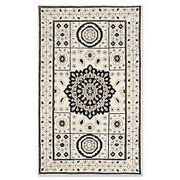 Safavieh Kenya Bordered Medallion Rug in Ivory/Grey