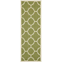 Safavieh Courtyard Quatrefoil 2'3 x 10' Indoor/Outdoor Runner in Green