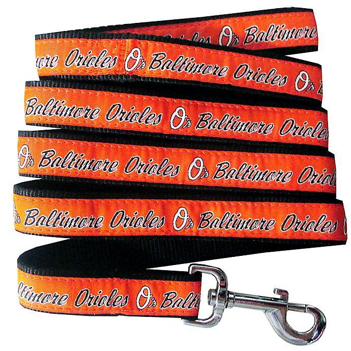 Alternate image 1 for MLB Baltimore Orioles Medium Pet Leash