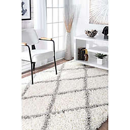nuLOOM Shanna Shaggy Rug in White