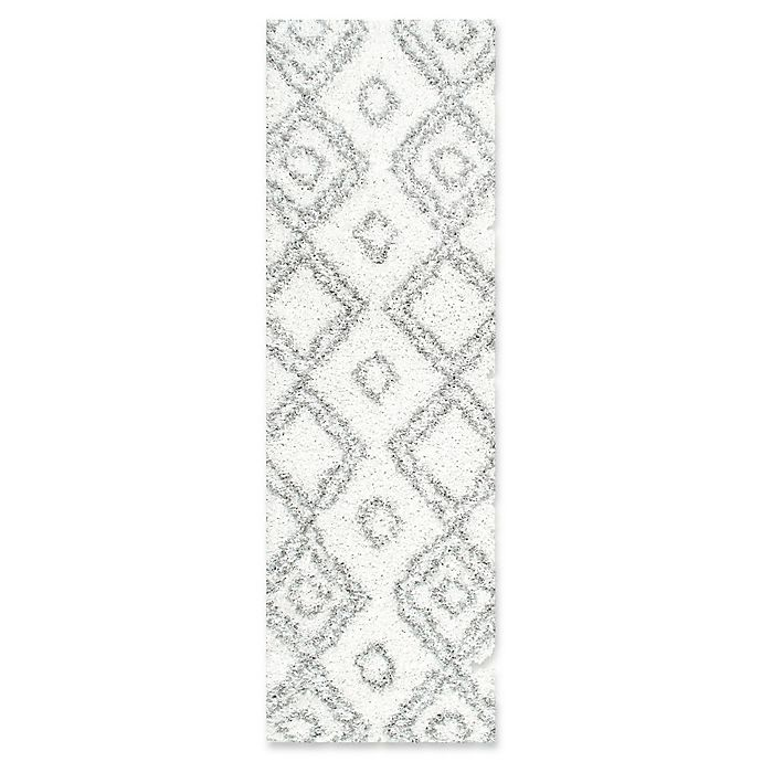 Alternate image 1 for nuLOOM Iola Easy 2-Foot 8-Inch x 8-Foot Shag Runner in White