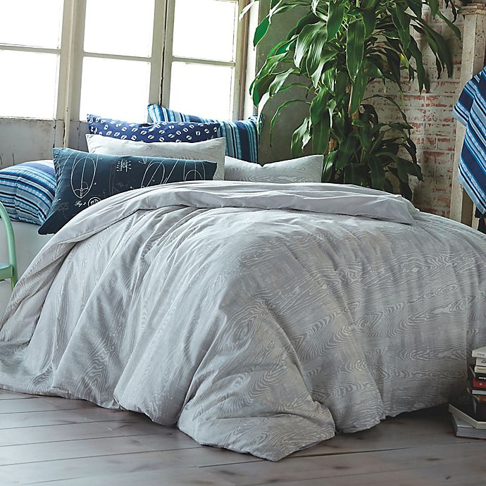 Alternate image 1 for Hang Ten Woodgrain Reversible Duvet Cover Set