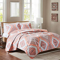 Intelligent Design Claudine Reversible Quilt Set