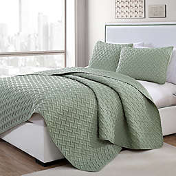 VCNY Home Nia Embossed 3-Piece King Quilt Set in Green