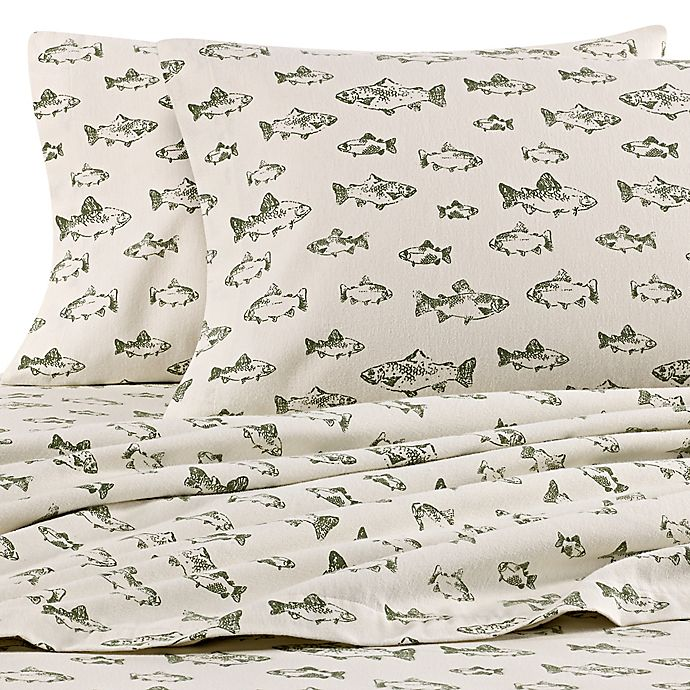 Alternate image 1 for Eddie Bauer® School of Fish Queen Flannel Sheet Set in Green/Ivory