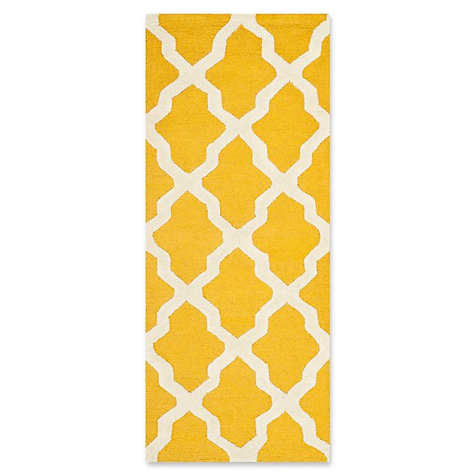 Alternate image 1 for Safavieh Cambridge 2-Foot 6-Inch x 6-Foot Quatrefoil Rug in Gold/Ivory