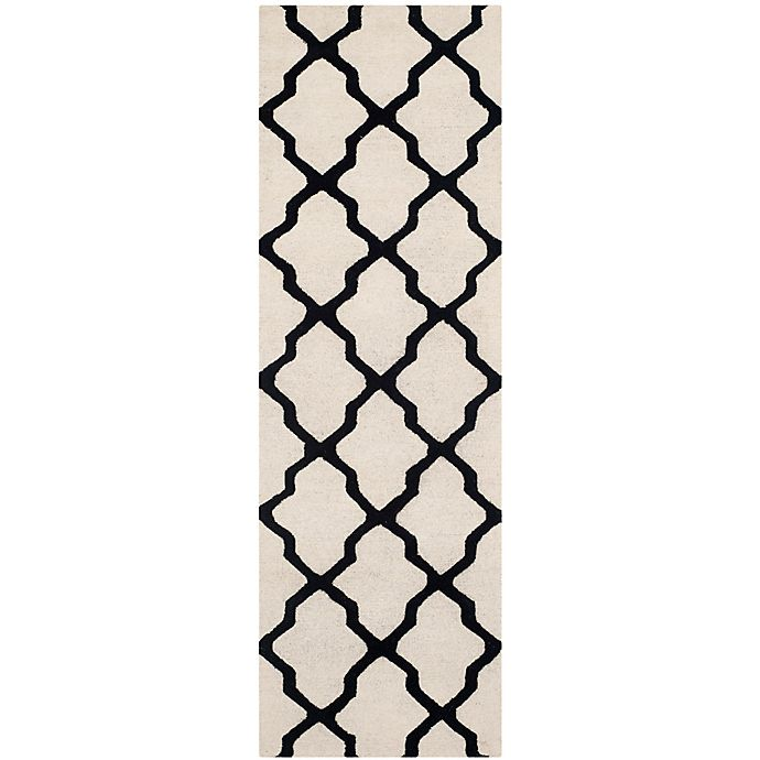 Alternate image 1 for Safavieh Cambridge 2-Foot 6-Inch x 8-Foot Quatrefoil Wool Rug in Ivory/Black