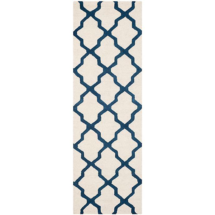 Alternate image 1 for Safavieh Cambridge 2-Foot 6-Inch x 8-Foot Quatrefoil Wool Rug in Ivory/Navy