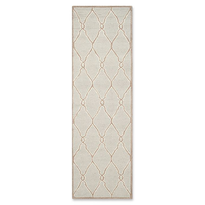 Alternate image 1 for Safavieh Cambridge 2-Foot 6-Inch x 8-Foot Lexie Wool Rug in Light Grey/Ivory