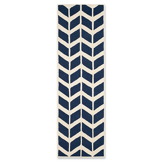 Alternate image 1 for Safavieh Cambridge 2-Foot 6-Inch x 8-Foot Aria Wool Rug in Navy /Ivory