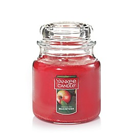 Yankee Candle® Housewarmer® Macintosh Medium Classic Jar Candle