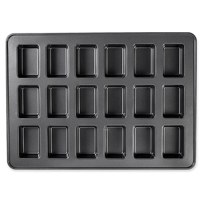 Wilton 174 Perfect Results Nonstick 18 Compartment Mega Mini