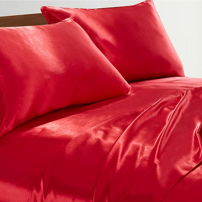Alternate image 1 for Satin Radiance 230-Thread-Count Queen Sheet Set in Red