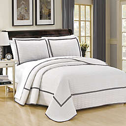Chic Home Halrowe 3-Piece Reversible Queen Quilt Set in White