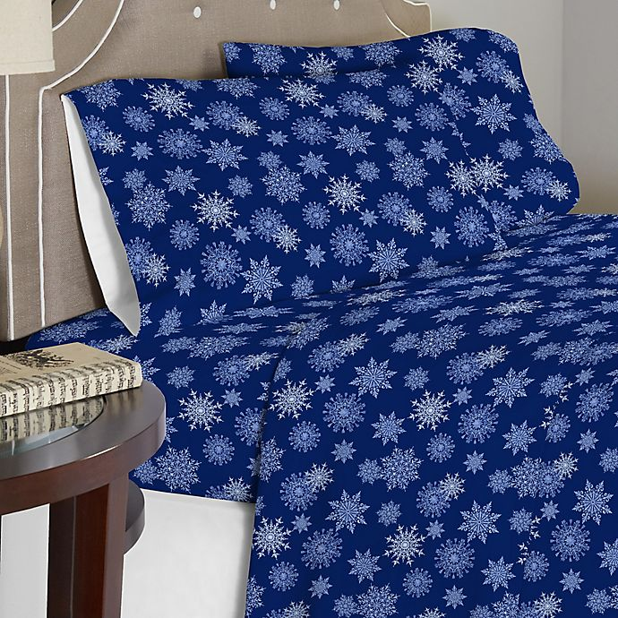 Alternate image 1 for Pointehaven 175 GSM Snowflakes Flannel Sheet Set in Navy