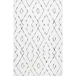 nuLOOM Beaulah Shaggy 7'6 x 9'6 Area Rug in White