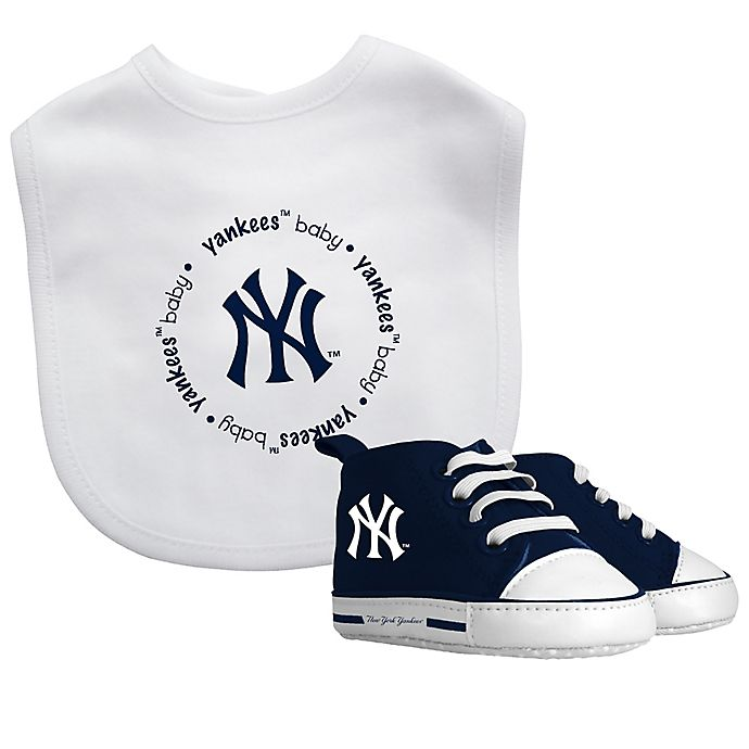 Alternate image 1 for Baby Fanatic MLB 2-Piece Gift Set