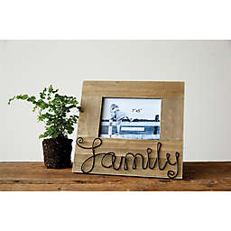 """Creative Co-Op """"Family"""" 5-Inch x 7-Inch Pine Photo Frame"""