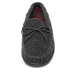 Minnetonka® Aaron Men's Trapper Slippers in Charcoal