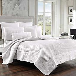 J. Queen New York™ Zilara King Quilt  in White