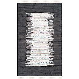 Safavieh Montauk 4' x 6' Beatrix Rug in Black