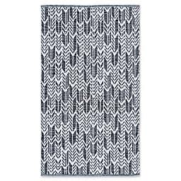 Safavieh Montauk 5' x 8' Thora Rug in Black