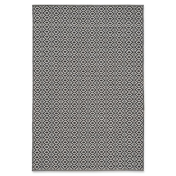 Alternate image 1 for Safavieh Montauk 5' x 7' Palmer Rug in Black