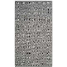 Safavieh Montauk 6' x 9' Rowan Rug in Navy