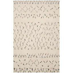 Safavieh Casablanca Hannah 8' x 10' Area Rug in Ivory/Grey