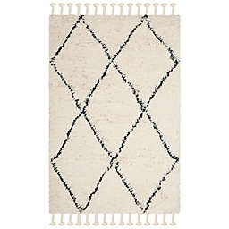 Safavieh Casablanca Avery 4' x 6' Area Rug in Ivory/Grey