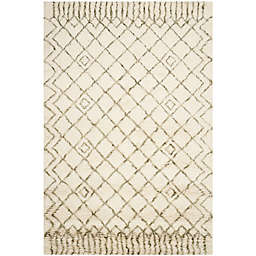 Safavieh Casablanca Dylan 5' x 8' Area Rug in Ivory/Green
