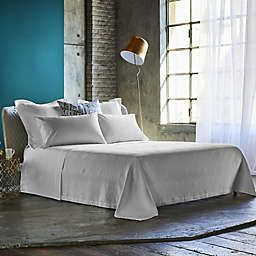 Frette At Home Malachite Queen Coverlet in White