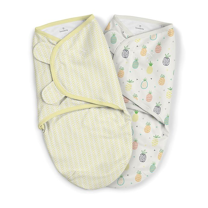 Alternate image 1 for SwaddleMe® Original Small/Medium Pineapple Organic Cotton 2-Pack Swaddles in Yellow