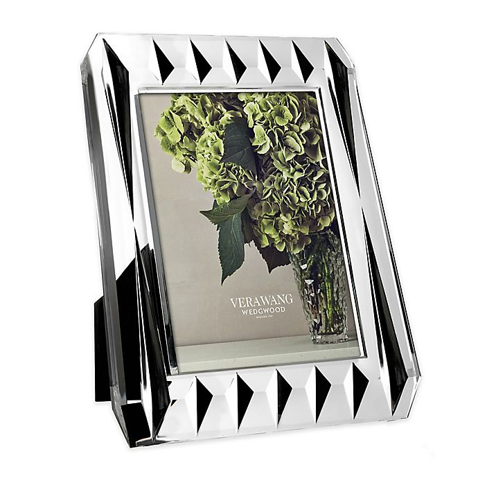 Alternate image 1 for Vera Wang Wadgwood® Vera Peplum 5-Inch x 7-Inch Picture Frame