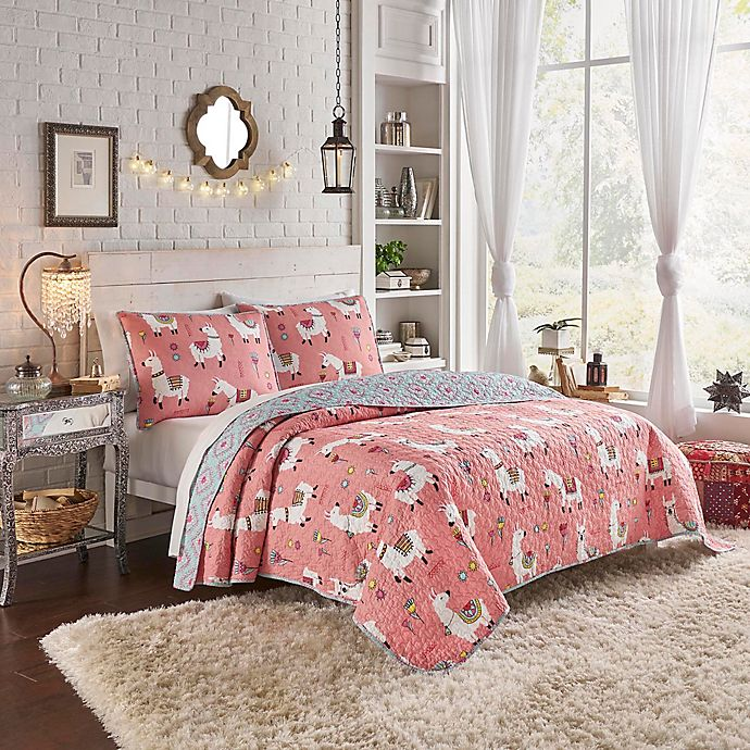 Alternate image 1 for Vue® Llama Drama Reversible 4-Piece King Quilt Set in Coral