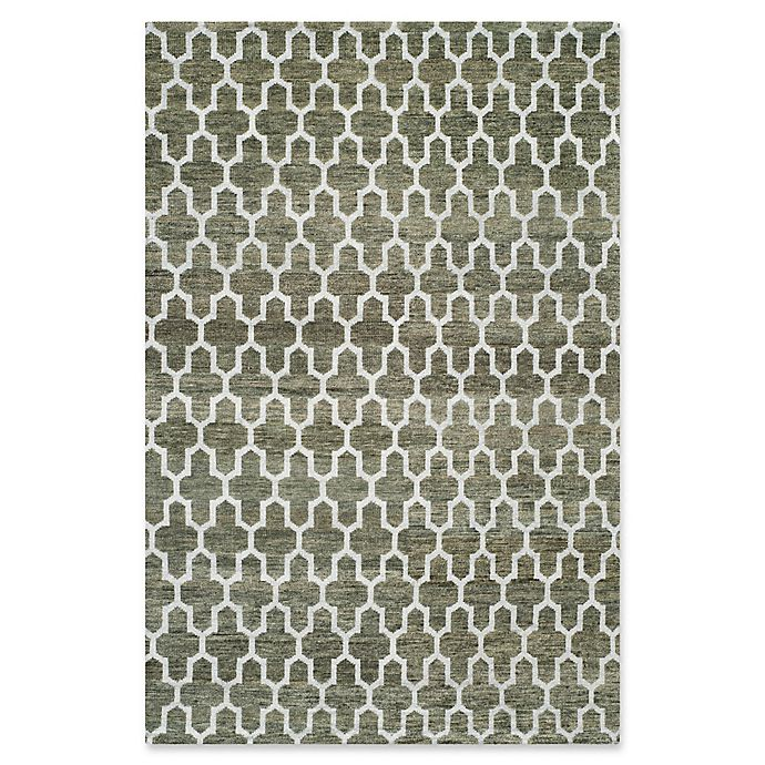 Alternate image 1 for Safavieh Grace Quatrefoil 5' x 8' Area Rug in Charcoal