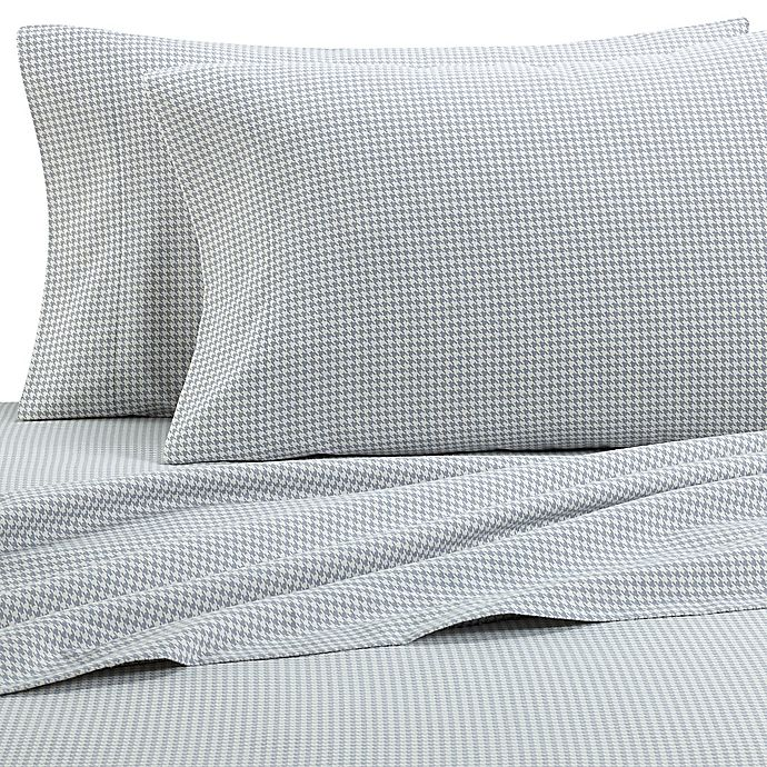 Alternate image 1 for The Seasons Collection® HomeGrown™ Houndstooth Flannel Sheet Set in Grey