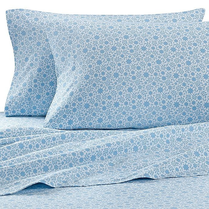Alternate image 1 for The Seasons Collection® HomeGrown™ Holly Flannel Sheet Set in Blue